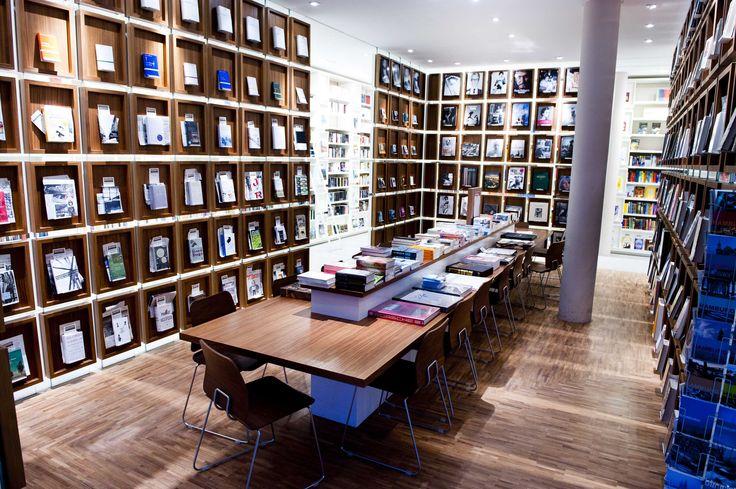 stories! Lesesaal Eppendorfer Weg Book-Store Hamburg.