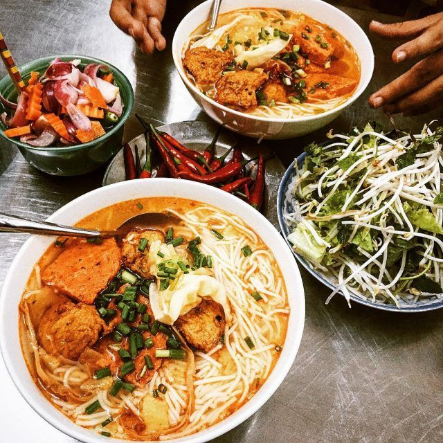 Bun cha ca Danang In Da Nang, Vietnam, besides famous tourist spots, visitors should not miss the opportunity to enjoy bún chả cá – a specialty here. Bún chả cá is sold in many regions; however, bún chả cá Danang brings a different flavor.