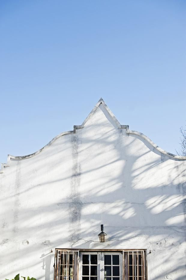 Blue Skies and Old White Houses http://www.hospitalityhedonist.co.za/winters-lunch-at-bellingham-homestead-with-guy-clark/