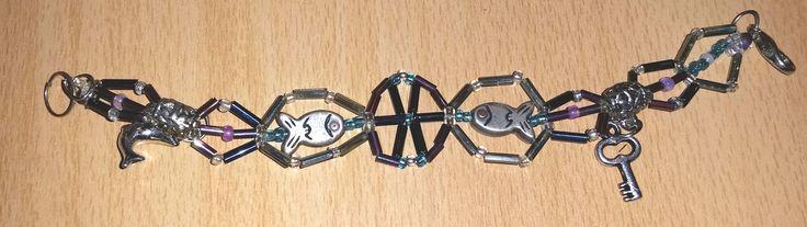 #Schmuck, #Armband, #Perlen, #Fische, #silber, #Stäbchen, #lila, #türkis, #Anhänger jewellery, joyas, bijoux, ювелирные изделия, biżuteria, gioielli, juwelen, koruja, smykker, 珠寶,bracelet, pulsera, браслет, bransoletka, bracciale, rannekoru, armbånd, 手鐲,pearls, perlas, perles, жемчуг, perły, perle, parels, helmet, perler, 珍珠,