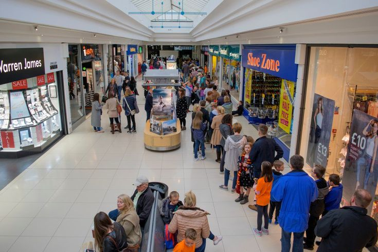 """""""Amazing scenes for @SpyQuest @FalkStoryFest book signing. Queue lasted for hours and almost brought the @howgateshopping to a halt @STVNews"""""""