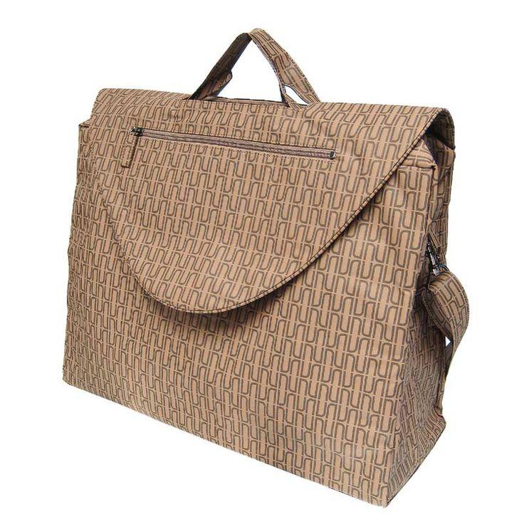 Travel bag with flap and shoulder strap Nu design