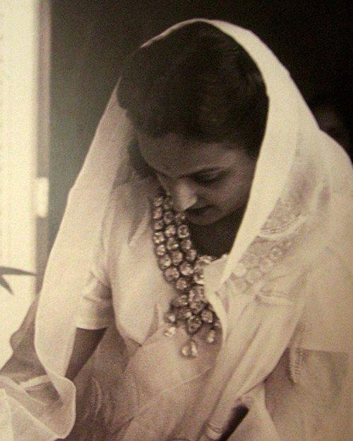 Princess Sita Devi of Baroda, Maharani of Baroda, wearing her famous necklace.