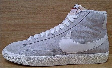 Kode Sepatu: Nike Blazer Hi Vintage Grey White  Ukuran Sepatu: 42 Harga: Rp. 560.000,- Untuk pemesanan hub 0831-6794-8611