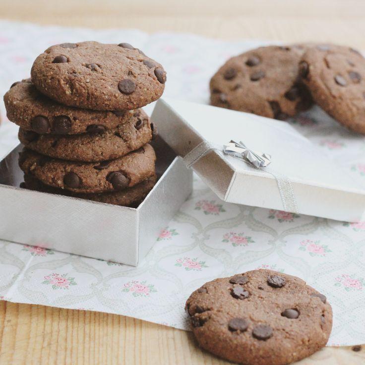 Zdravá verzia cookies, ktorá vám zaručene nahradí nezdravé sušienky a keksíky z obchodu. Príprava trvá len pár minút, takže vždy keď na ne dostanem chuť nerobí mi problém upiecť ich aj neskoro večer. Chuťovo sú ...