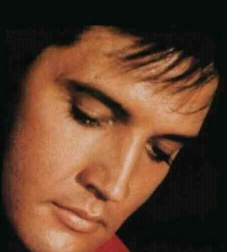 Elvis The best photo ever Gorgeous!!