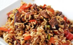 We blijven deze week nog even in de Chineze/Kantonese keuken hangen. Een paar dagen geleden deelde ik met jullie al het recept voor Kantonese Rijst van Stéphane Reynaud, vandaag is het tijd voor nog een rijstgerecht die toch compleet anders is qua smaak: Hoisin Kip. Voor dit gerecht gebruiken we Hoisin saus en dit wordt…