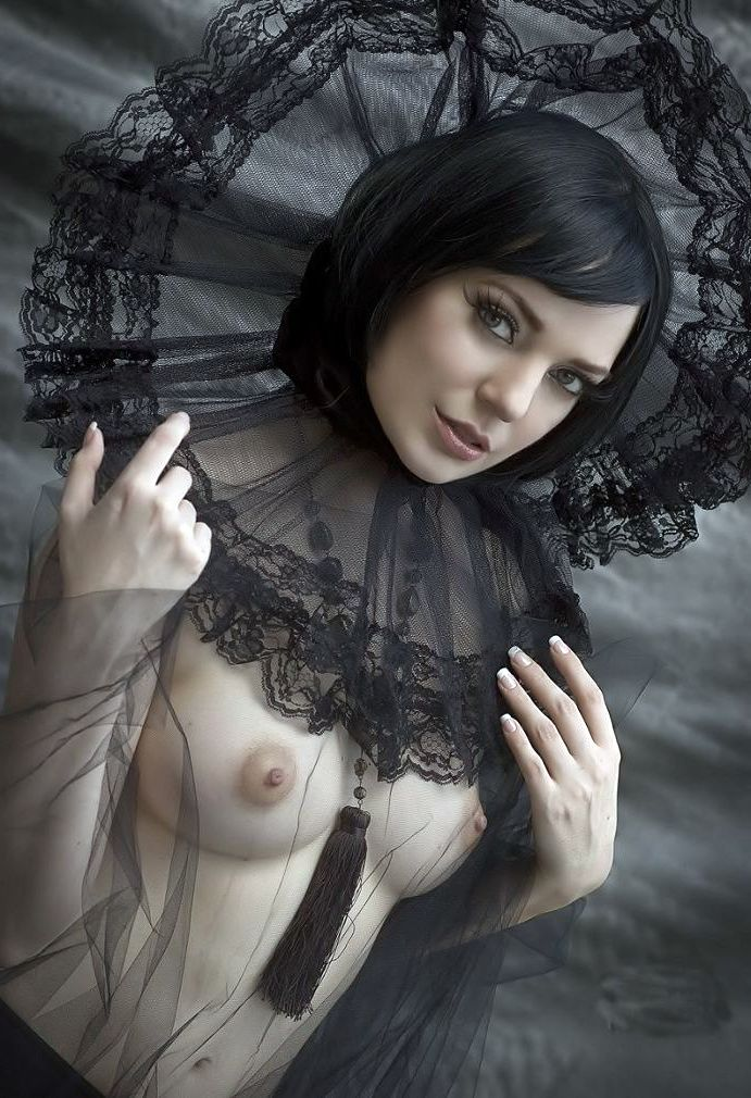 goth nude pin up girls