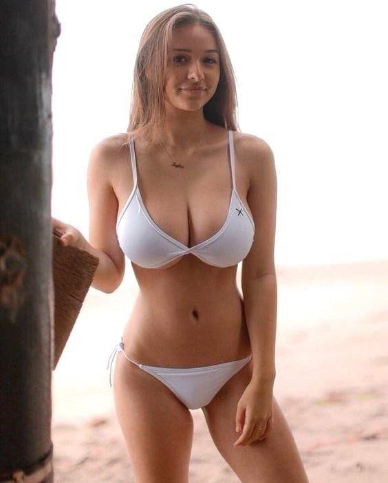 Big boobs brunette nude