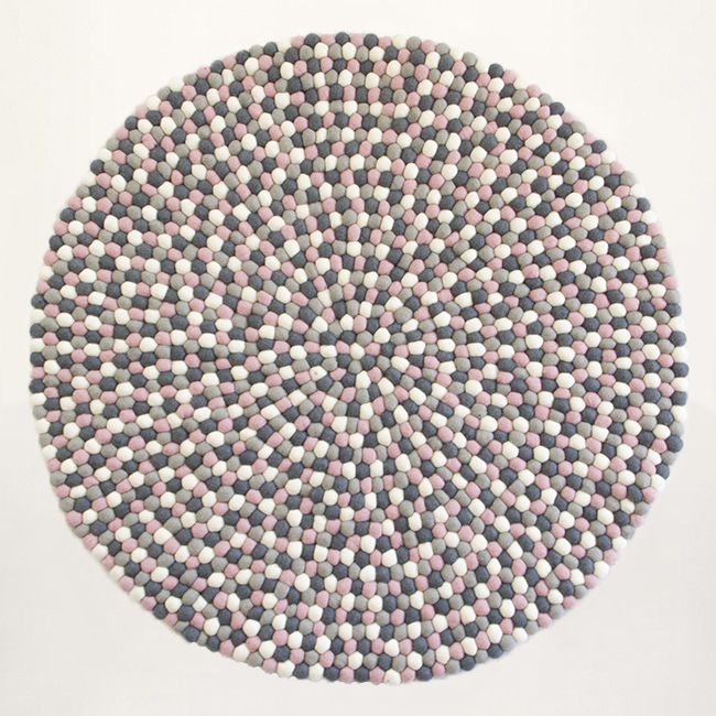 New Design - Pink, grey & white color rug. Felt ball rug: http://unaliving.com Kugletæppe: http://unaliving.dk Filzkugelteppich: http://unaliving.de We have 14 different designs