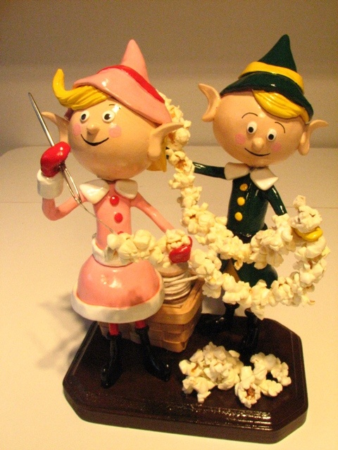 Retro Christmas Elves sculpture collection and how to.