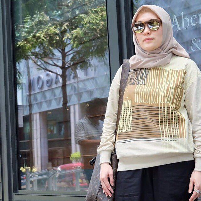 """153 Likes, 13 Comments - m a i m a Indonesia (@maima.indonesia) on Instagram: """". Weekend Promo Gertha Printed Top Cream IDR 275.000 .  Bust : 112 cm Lenght : 65cm Material :…"""""""