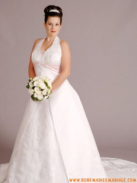 Robe de mariée grande taille en satin ceinture
