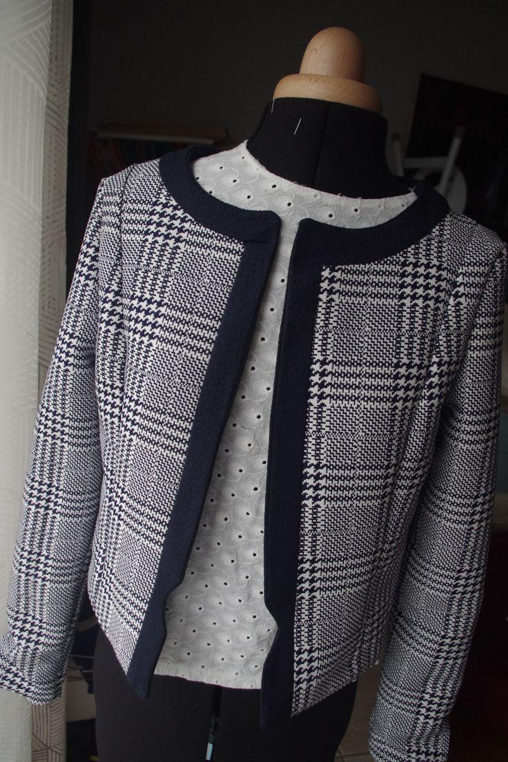Tuto de cette jolie veste Camélia, expliqué étape par étape par Emilie de Dessine Moi un Patron.   Foncez pour découvrir le tuto : http://makeri.st/tuto-veste-camelia