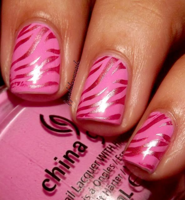 fyeahilovenails: Metallic Zebra Nails