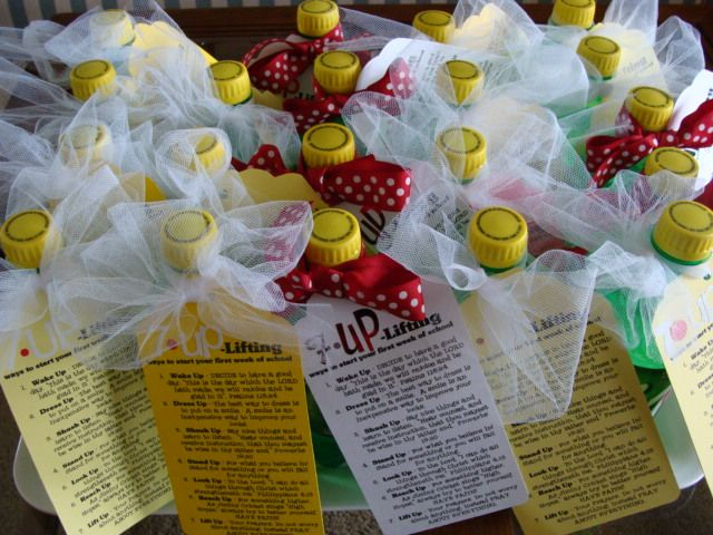 .: Schools Goodies, Teacher Gifts, Back To Schools, Gifts Ideas, Schools Ideas, Young Women, Schools Treats, Marci Coomb, Little Gifts