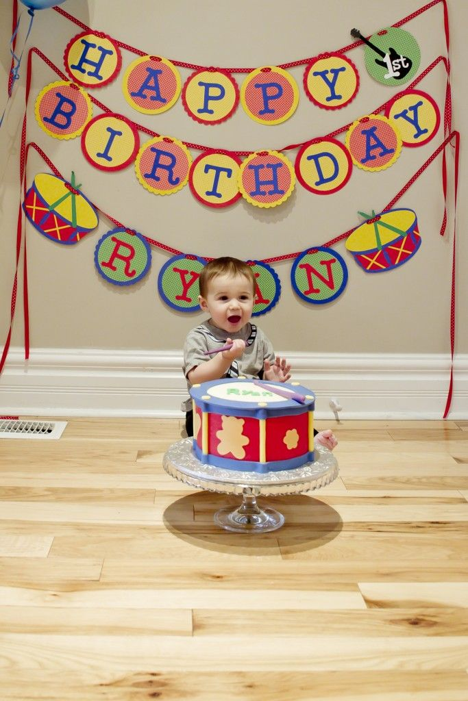 music-theme first birthday party  smash-the-cake