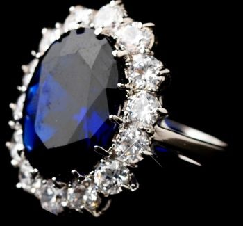 Vintage sapphire wedding ring with diamonds