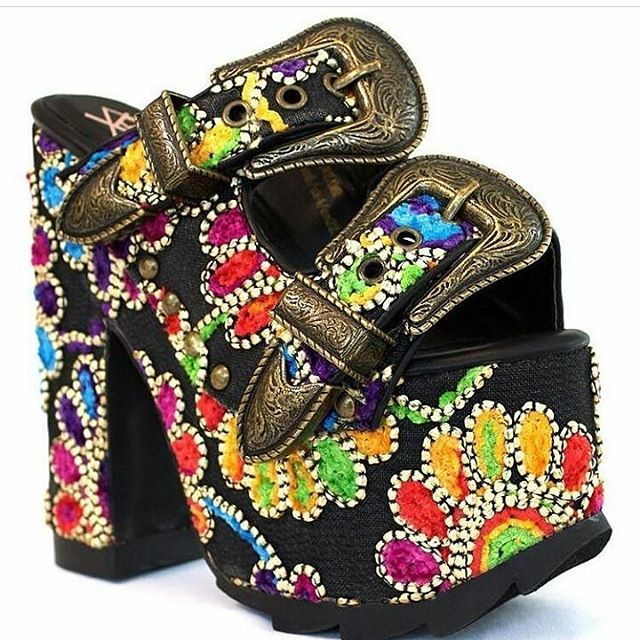 ! SHOP NOW !                             ↔Sizes left↔ -5 -8  Availability instore an online  Style Name/Dreamer __________________________________________  #style#nails#blog#Fashioneditorial#fashionmodel#fashionphotography#instafollow #Styleicon#model#fashionblogger#fashiondesigner#monifahshelton #heeladdict#remyma #makeup#Fashionstyle#Fashionmagazine#fashionphotographer#lipstick#Styleblogger#cosmetics #northcarolina #remymafia #nyfw #hotel #queenofrap…