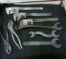 LOT OF 8 Antique vintage Williams,Ford,Farmount Cleve,Wizard,Auto Tools
