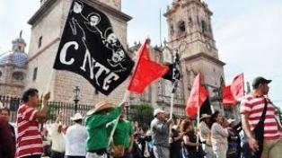 Anuncia la CNTE paro nacional el 12 de octubre - http://www.tvacapulco.com/anuncia-la-cnte-paro-nacional-el-12-de-octubre/