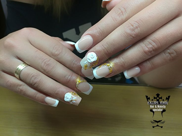 French manicure!  Το γαλλικό μανικιούρ αποτελεί την πιο κομψή και save επιλογή. Αν η επιλογή σας είναι το απλό κλασικό άσπρο μπορείτε να το στολίσεται με τρισδιαστατα τριαντάφυλλα,στρας και λεπτό χαβιάρι για ένα ξεχωριστό glamour αποτέλεσμα!!  #nails #nailart #acrylic #frenchmanicure #nailfashion #fashionista #nailaholic #nailsalon #nail2inspire #beauty #special #style #fotooftheday #trustthexpert #beautymakesyouhappy  www.kalliopeveniou. gr