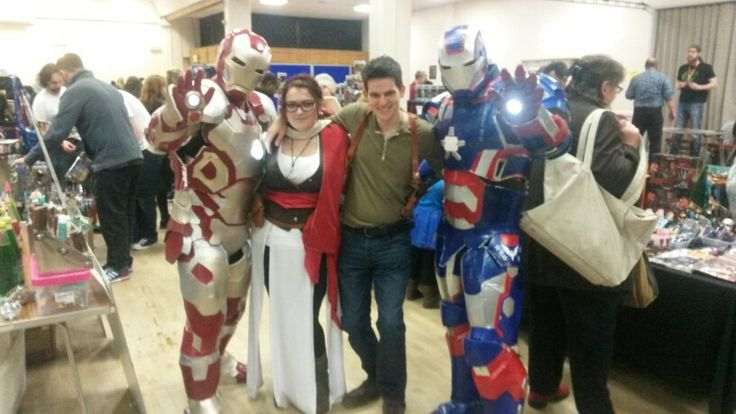 Me and my friend cosplaying at nanocon with not 1 but 2 iron men xx