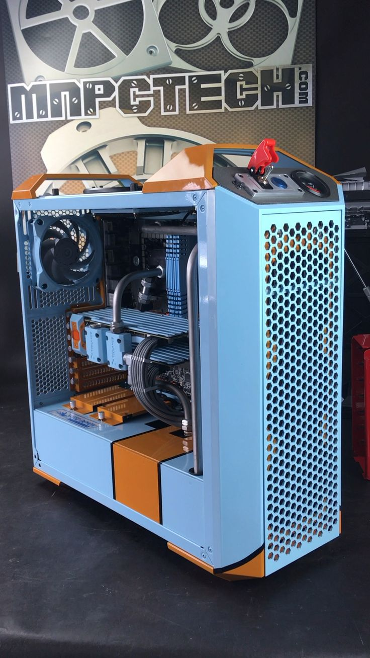 Custom water cooled gaming pc inspired by the porsche 917