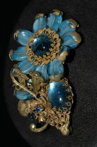 Miriam-Haskell-Brooch-Blue-Sunflower-Stones-Rhinestones-Filigree-Vintage