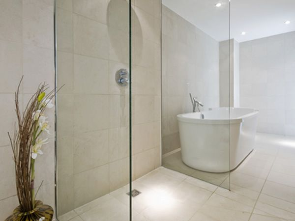 Classic Travertine & Classic Travertine Mosaic wet room floor