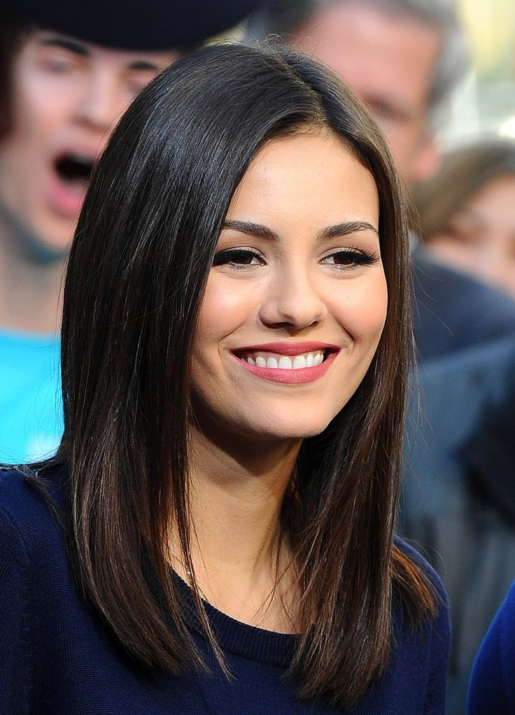 Victoria Justice, Extra at Universal Studios Hollywood, January 8, 2015