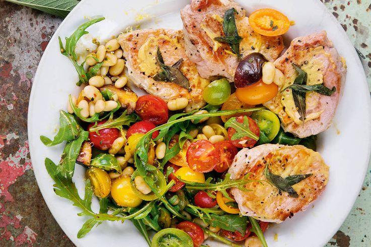 Das Rezept für Rückensteak mit Tomatengemüse mit allen nötigen Zutaten und der einfachsten Zubereitung - gesund kochen mit FIT FOR FUN