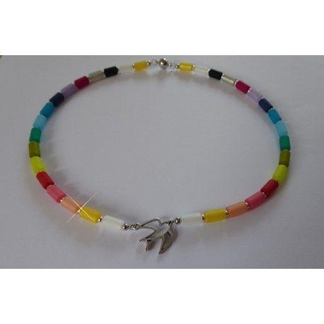 Halskette aus Polaris-Walzen mit mittig angeordnetem Vogel aus Metall, individualisierbar, handgemacht
