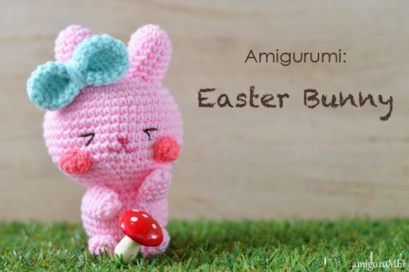 Crochet an Easter Bunny amigurumi with free written pattern. Steps photo showing how to crochet it. Skill level: Easy. Duration: About 4 hours