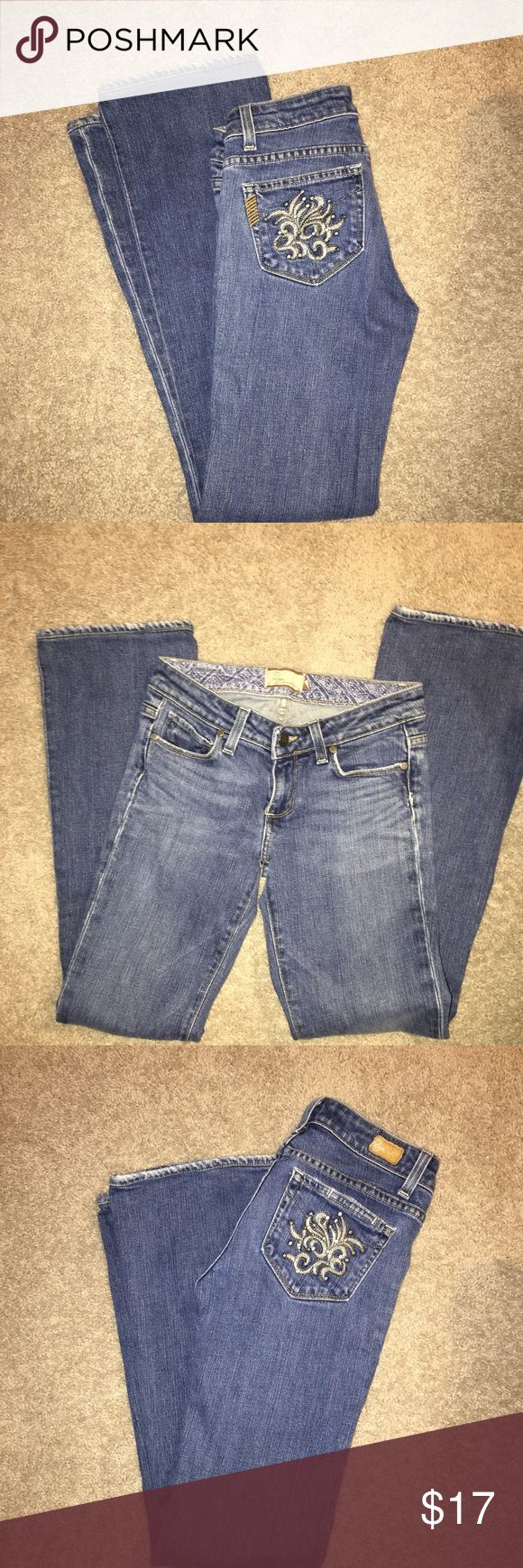"""Paige Jeans Size 25 Hollywood Hills style Paige jeans. The inseam is 31"""". These jeans have been well cared for. Paige Jeans Jeans Straight Leg"""