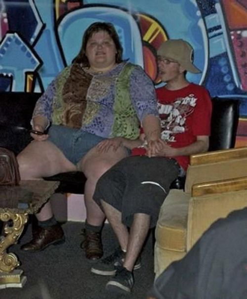 Bad Family Portraits, Worst Family Photos Bad Family Photos, Ellen, funny family photos, worst family pics, funny pictures, awkward family photos, wtf, ugly people, stupid people, crazy people, people of walmart