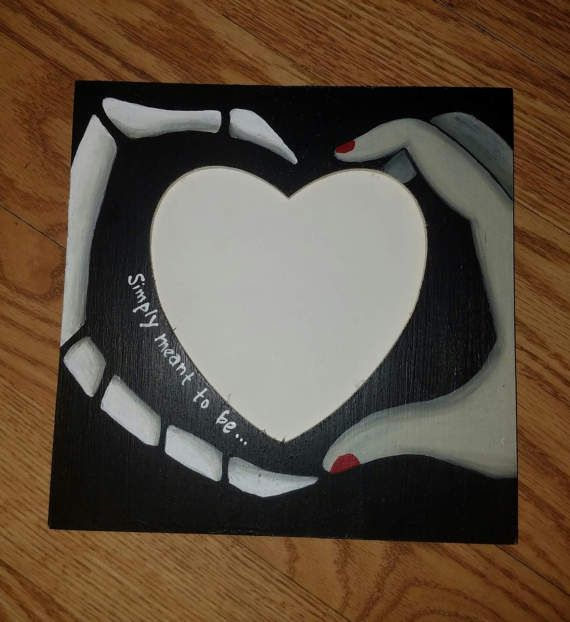 Nightmare Before Christmas themed picture frame. Peg Stand with no glass and a heart shaped opening. I will make this hang-able upon request. This picture frame is about 8 sq, with a 4-5 heart shaped opening for a photo. I take very special care and put great detail into everything I do! #christmashints