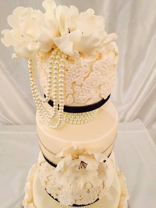 Beautiful vintage lace and pearl cake.
