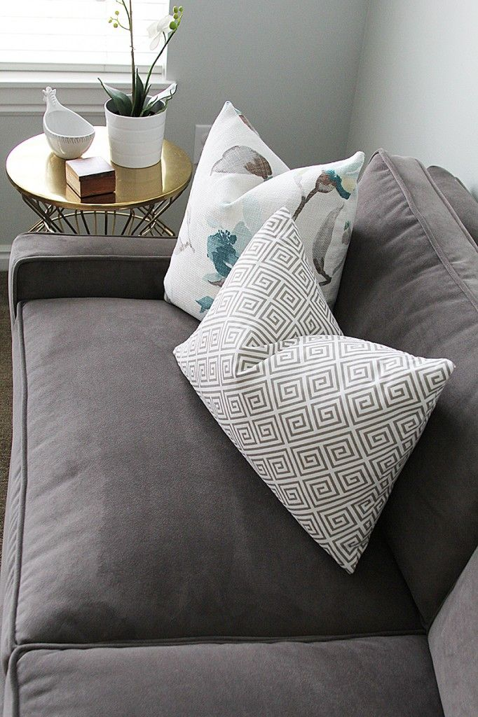 soothing color combination, velvet couch