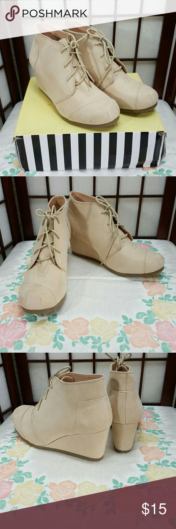 CHASE AND CHLOE Fall Wedges Nude Shoes Size 10 * New without tags , Chase and Chloe  * wedges shoes size 10 * color nude Chase and Chloe Shoes Wedges