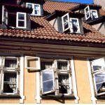 Sie möchten nach Italien auswandern und dort möglichst schnell eine Wohnung mieten? Hier finden Sie nützliche Links zu Immobilienseiten im Internet sowie weitere Tipps.