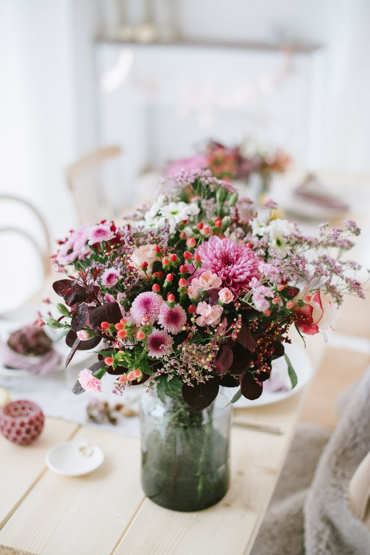 Chrysanthemums, Berries, Nuts, Linen – Decoration of an Autumn Wedding – Miss K. Says Yes Wedding Blog – flowers