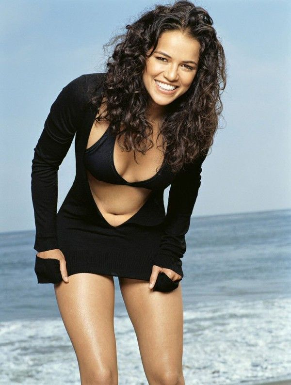 Michelle Rodriguez Long Curly Hair Style