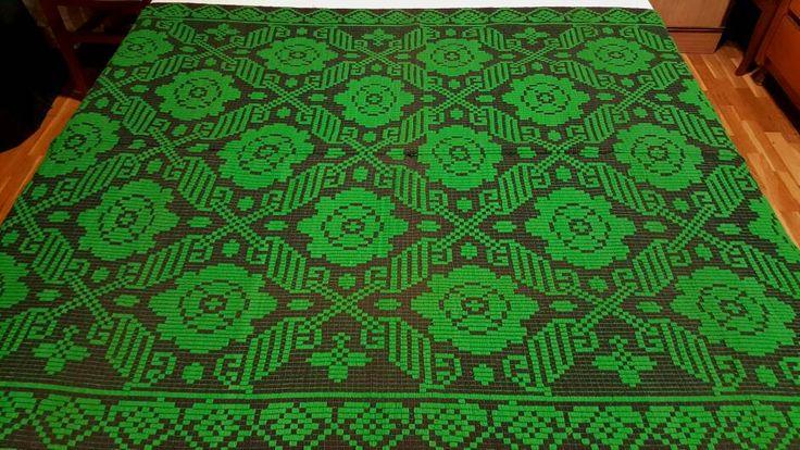 Coperta,copridivano di lana lavorato a mano di colore verde-nera con meravigliose stelle verdi giganti come il cielo in riquadri aperti. di TRADIZIONALE su Etsy