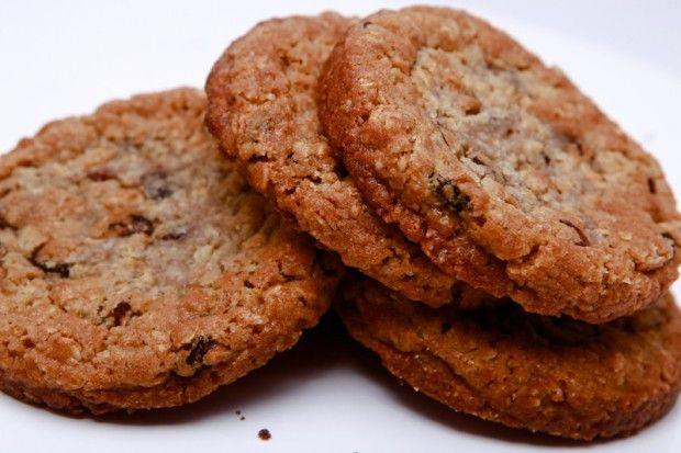 Oatmeal cookies with raisins (Овсяное печенье с изюмом)