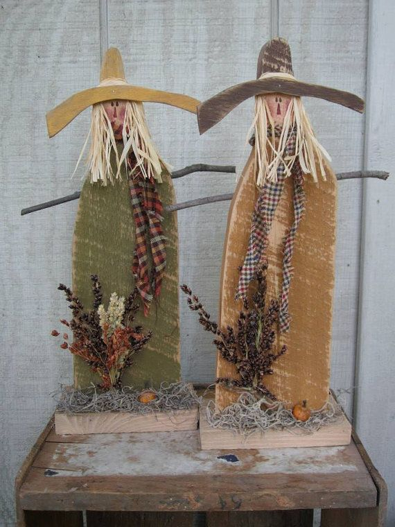 Country primitive wood standing scarecrow halloween home decor for Scarecrow home decorations co ltd