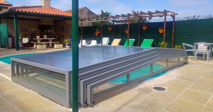 Abri bas de piscine coulissant pratique pour s'adapter à la météo !