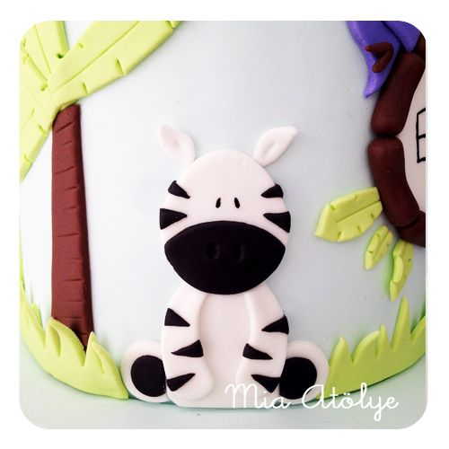 Jungle - safari themed birthday cake Fondant zebra