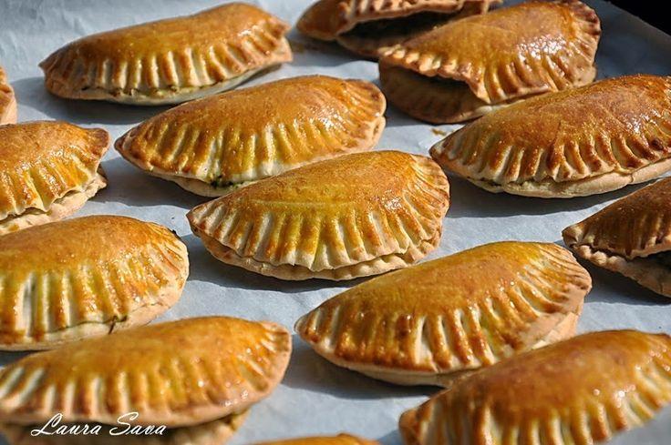Placintele cu pui si spanac | Retete culinare cu Laura Sava