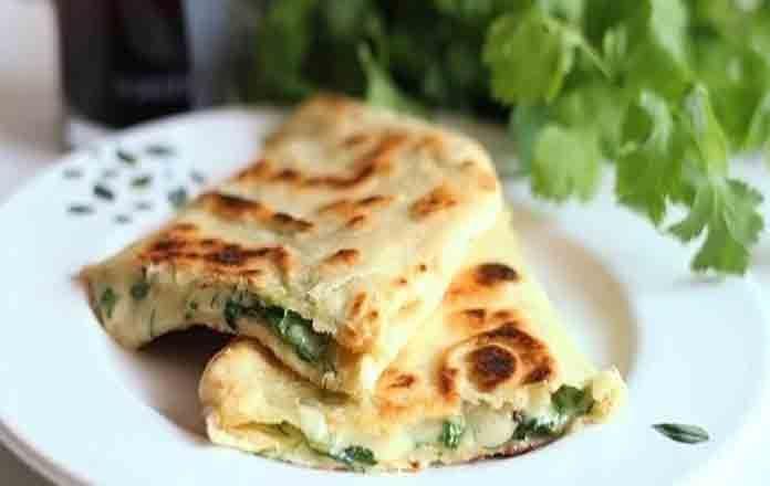 Лаваш с сыром и яйцом на сковороде | Готовим рецепты